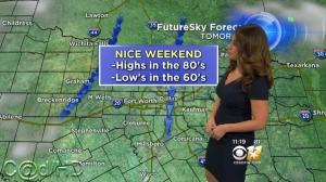 Lisa Villegas - The Weather Authority - CBS11_05.ts_snapshot_01.48_[2015.10.04_17.13.00]